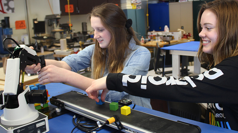 SME-PRIME---Cazenovia---Engineering---Female---Robotics.jpg