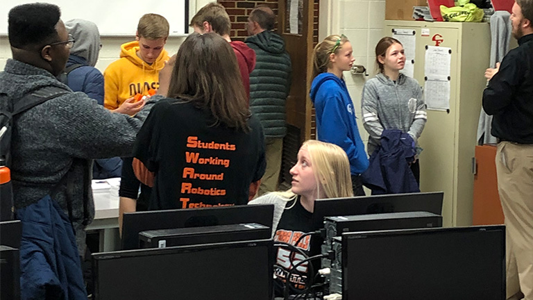 2020-8-SME-PRIME---Success-Story---Cedar-Falls---Students-and-computers.jpg