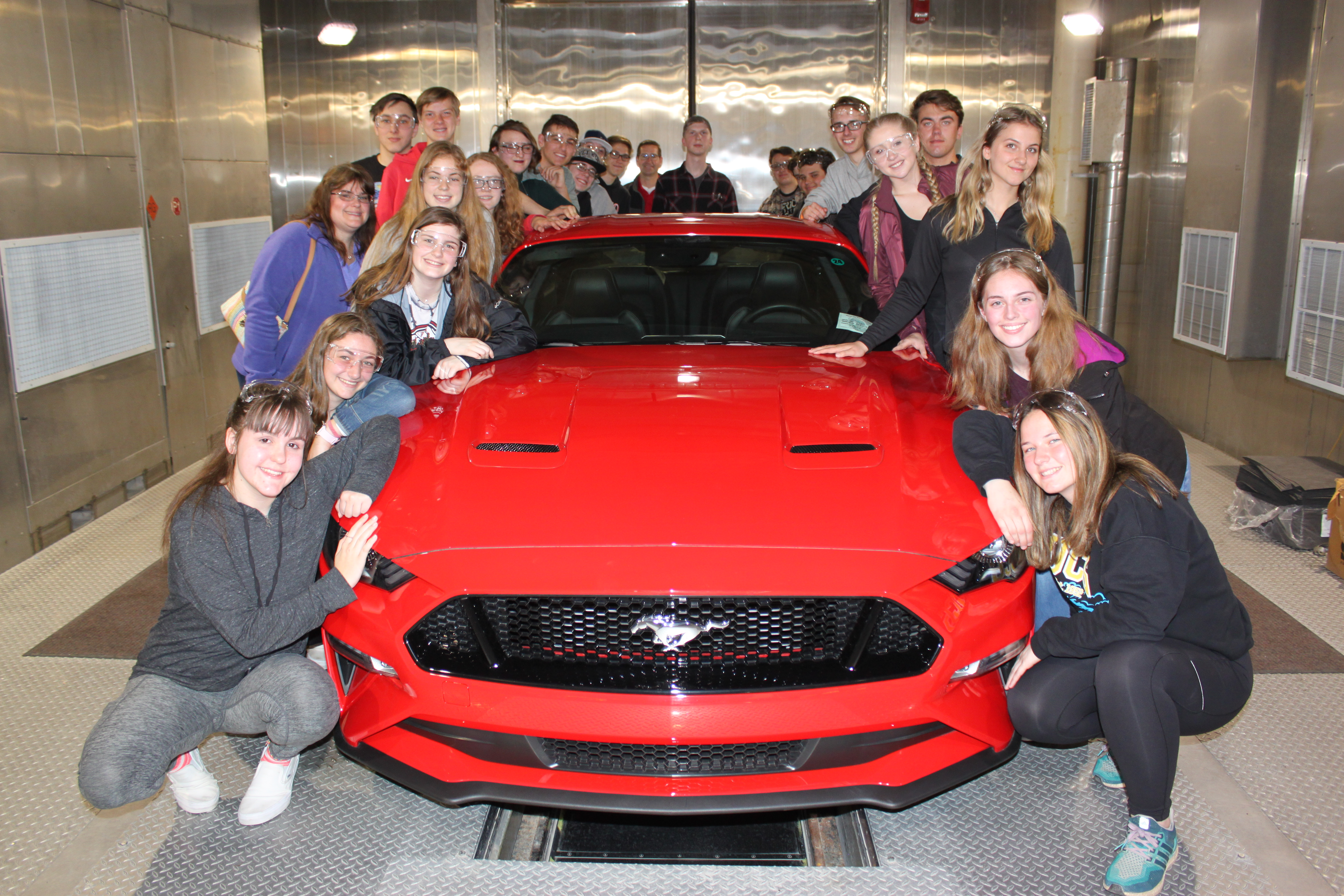 2019-5 SME PRIME Investor Highlight - Ford NGL - Romeo High School students visiting Ford Romeo Plant.JPG