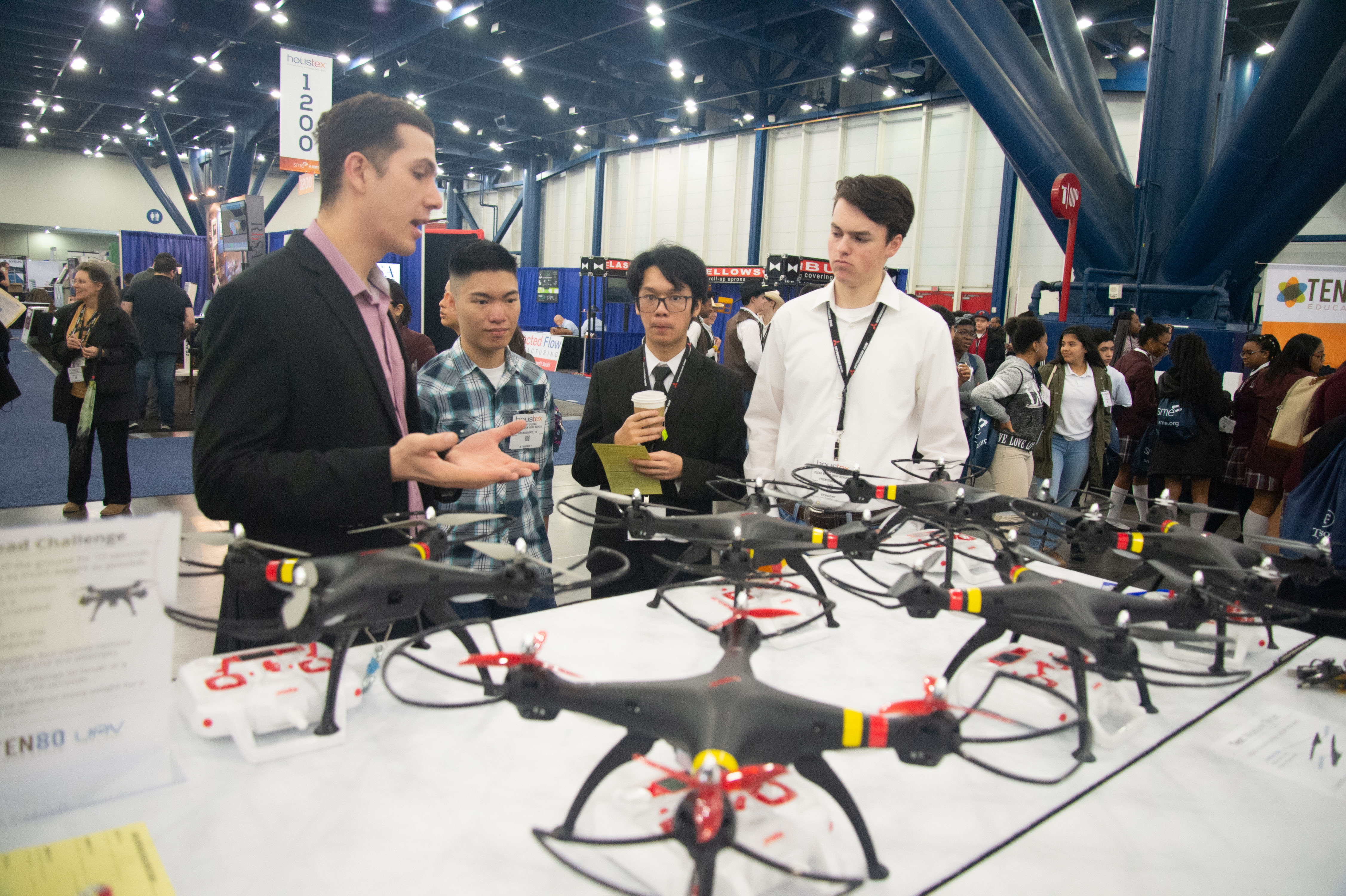 HOUSTEX - Drone Challenge - Students with industry reps.jpg