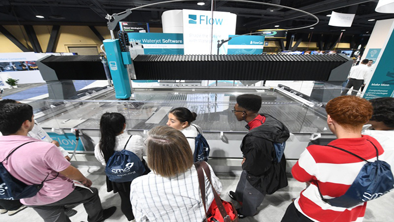 WESTEC 2019 - Students exploring manufacturing careers.jpg